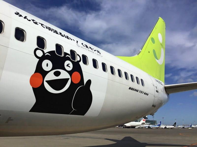 豪雨復興支援でソラシドエアの機体に描かれた「くまモン」