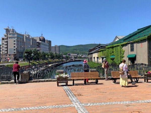 北海道内の観光地で訪日客の姿はほとんどみられない(北海道小樽市の小樽運河)