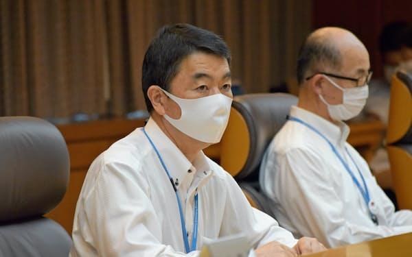 村井知事は「地域限定で営業自粛をする可能性もある」と言及した(16日、宮城県庁)