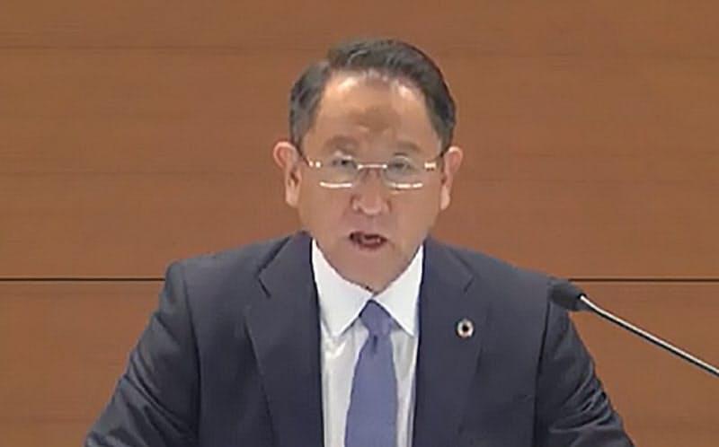 5月の決算発表の際、ライブ中継で記者会見するトヨタ自動車の豊田章男社長
