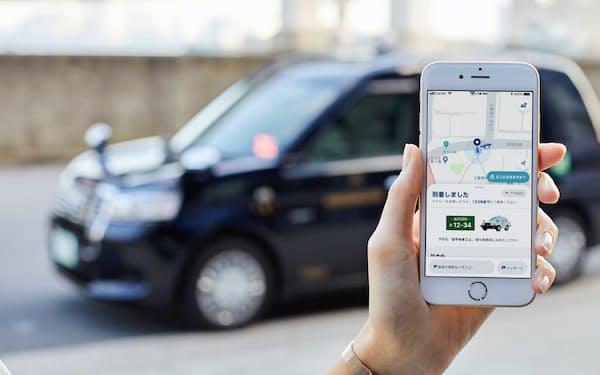 タクシーは配車アプリとの連携やタブレットの搭載で急速にデジタル化が進んでいる