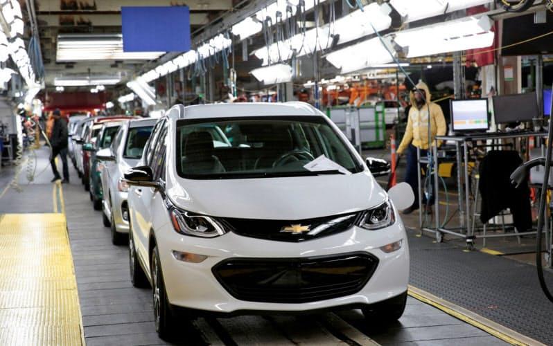 GM、テスラ追撃へ分業 エンジン開発はホンダに託す