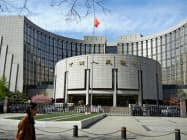 中国人民銀行は5カ月連続で政策金利を据え置いた(北京市内の人民銀本店)