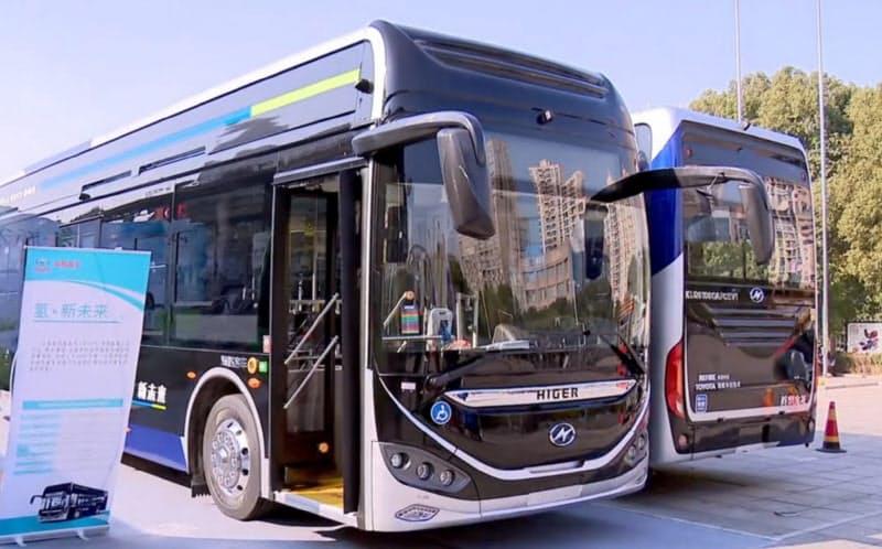 トヨタの基幹部品で組み立てられたFCVのバス(江蘇省蘇州市の地元テレビのニュース番組から)