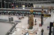 入国制限措置によりスワンナプーム空港の利用者は激減している(6月)=小高顕撮影