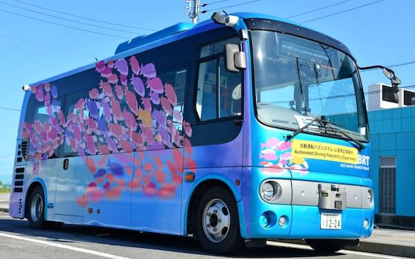 茨城県日立市は地域の移動手段として自動運転車の活用に力を入れる(2018年の実験車両)