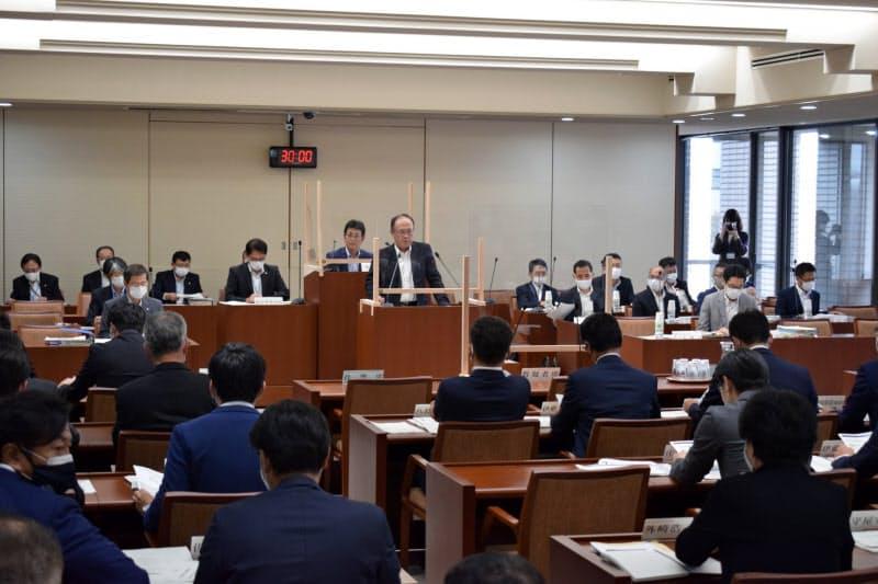 宮城県議会は国から女川2号機の安全性などの説明を受けた(24日、県議会)