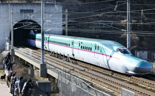 北海道新幹線は年末年始に通常より時速50キロメートル速い最高時速210キロメートルで運行する