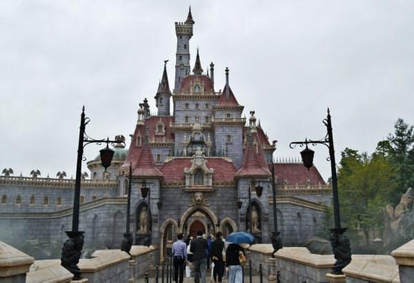 新エリアでは「美女と野獣」に登場するお城を再現した