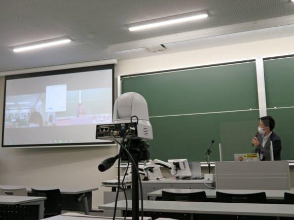 立命館大学は全教室にカメラなどオンライン授業用の機器を設置した(24日、京都市の立命館大学衣笠キャンパス)