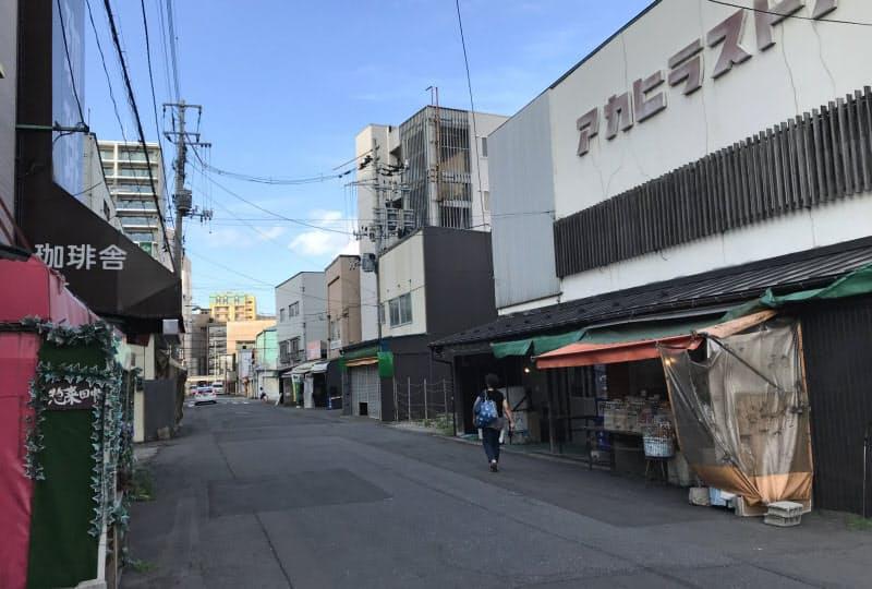 青森県の商業地は10年ぶりに下落幅が拡大した(青森市内)