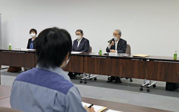 関電の社外取締役と原子力事業本部従業員が直接対話した(28日、福井県美浜町)