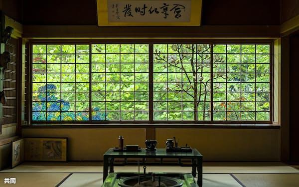 小川三知が作ったステンドグラス=青森県中泊町博物館提供・共同