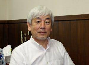 日本ワイン歴史マイスター講座の講師を務める仲田道弘氏