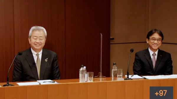 オンラインで記者会見するNTTの澤田社長(左)とNTTドコモの吉沢社長(29日)