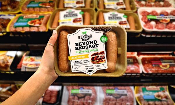2019年に上場した代替肉メーカー、米ビヨンド・ミートの時価総額は1兆円規模まで膨らんだ。