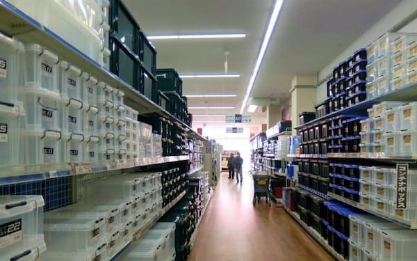 コーナンではコロナ禍でDIY需要が増え工具の収納箱が売れている
