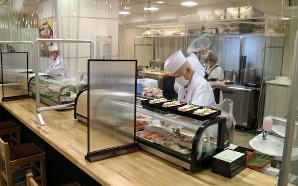 高島屋大阪店の北海道展ではイートインを縮小し、飛沫防止シートなどで感染防止を図る(9月30日、大阪市)