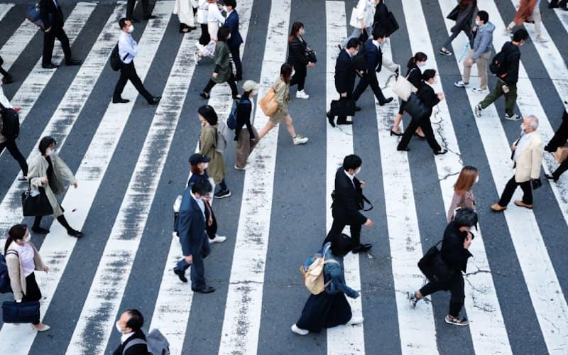 生保各社が利率引き下げで足並みをそろえれば、幅広い企業が影響を受ける