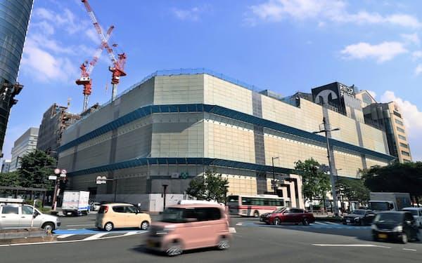 福岡市の天神地区では再開発が進む