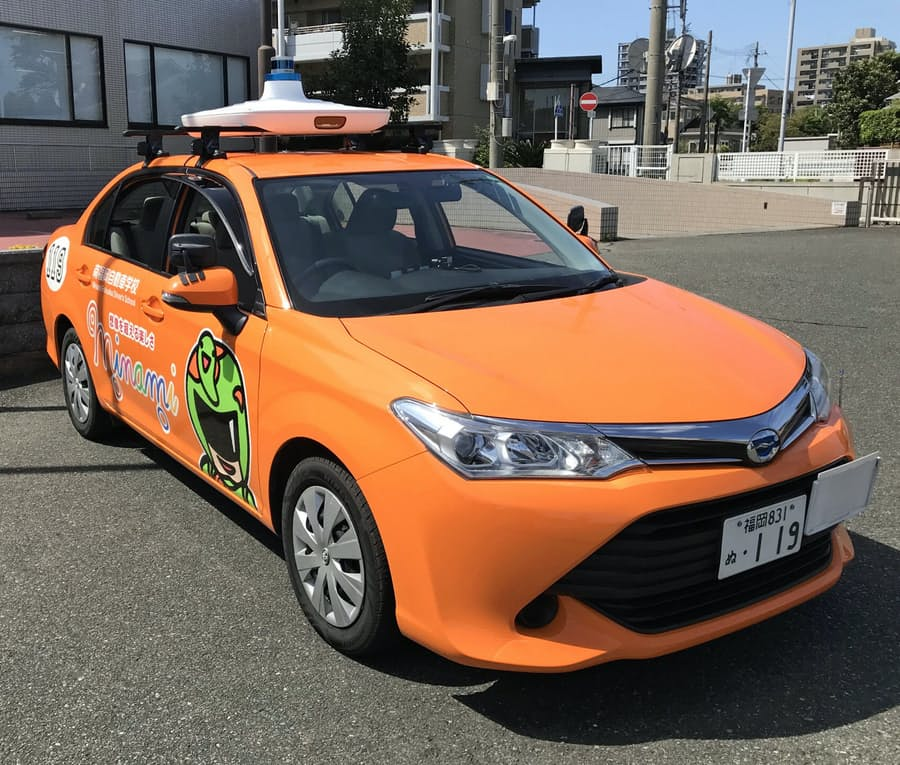 自動車教習、指導員はAI 福岡の教習所などが開発: 日本経済新聞