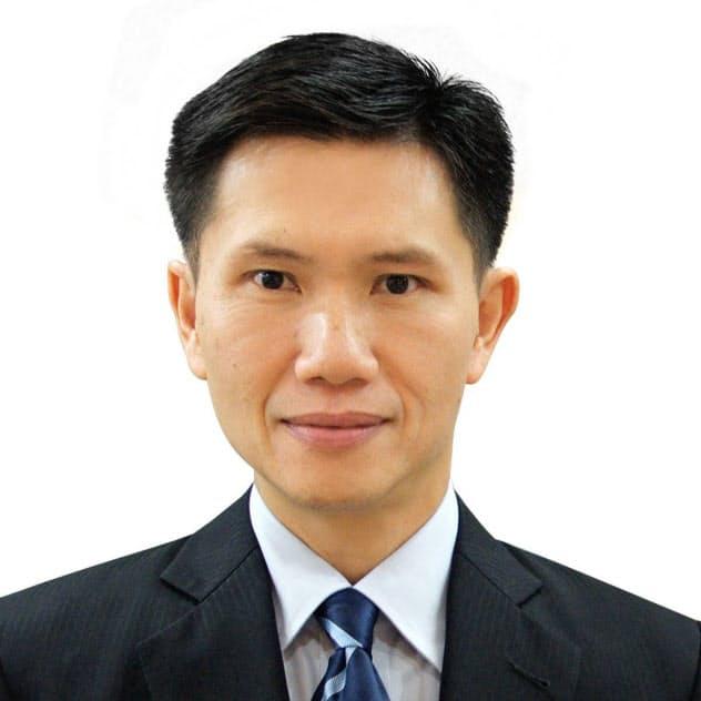 Thitinan Pongsudhirak ロンドン・スクール・オブ・エコノミクス博士。タイ・チュラロンコン大で政治学を教える。専門は国際政治・経済。
