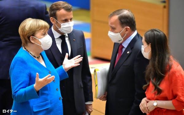 ドイツのメルケル首相は巨額のコロナ対策をめぐり紛糾したEU首脳会議を議長国として手堅くまとめ上げた(7月18日、ブリュッセル)=ロイター