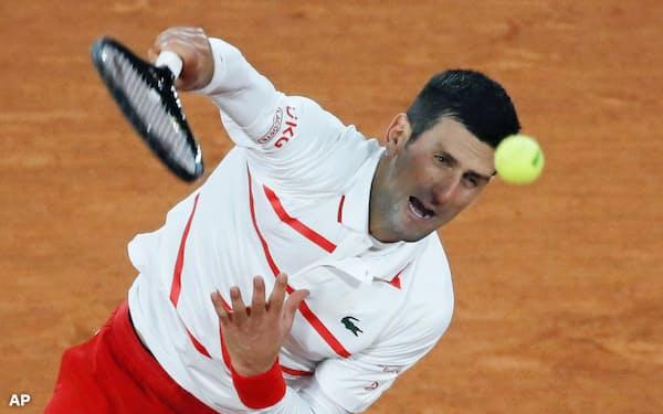 男子シングルス3回戦でダニエル・ガランを破ったノバク・ジョコビッチ(3日、パリ)=AP