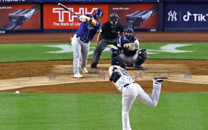 5日に始まる地区シリーズでも田中と筒香の対戦が見られるか(9月2日のヤンキース対レイズ戦)=共同
