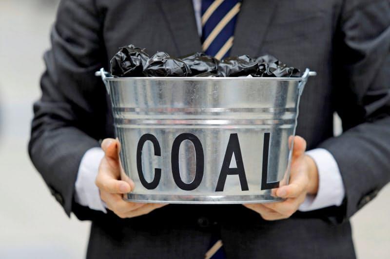 環境への負荷が重いとして石炭を忌避する12bet国际平台的な動きは一段と強まっている=ロイター