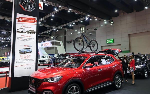 「MG」ブランドは手ごろな価格でシェアを伸ばす(8月、バンコクの自動車展示会)