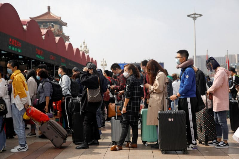 中国の旅行需要は戻りつつある(1日、北京)=ロイター