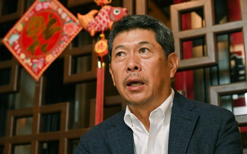 そう・えいせい 1957年兵庫県生まれ。祖父が大正時代に創業し、父が後を継いだ豚まん店「老祥記」に、大学卒業後の79年に入店。96年から代表取締役。86年から南京町商店街振興組合で理事、副理事長を務め、2003年から理事長。