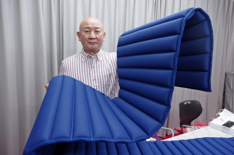 黒川社長が腰痛に悩む妻のために開発した