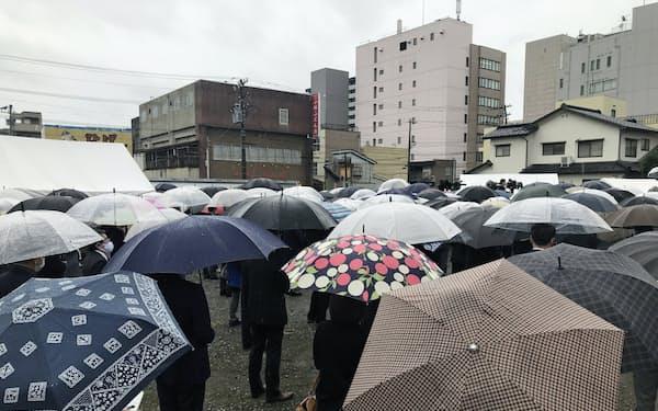 立候補者は8日朝から演説した(富山市)