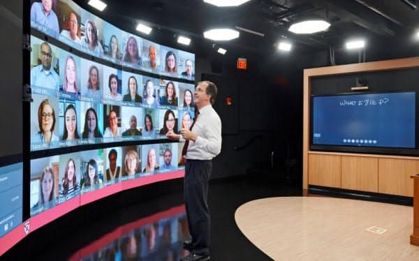 ハーバード・ビジネス・スクールは「白熱教室」の臨場感を再現する