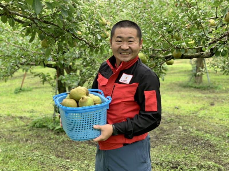 矢萩社長が生育過程や食べごろをZoomで伝えるAIRラ・フランス収穫体験(山形県天童市)