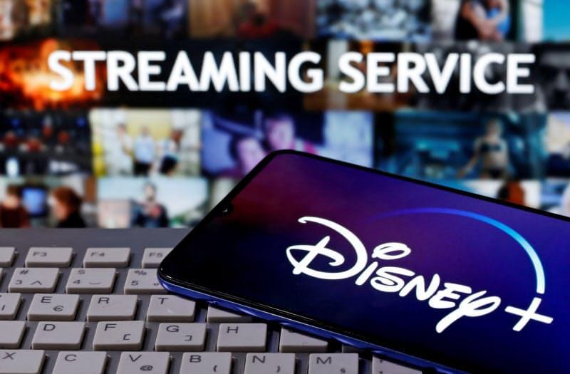 ディズニーは9月末、7人まで同時視聴できるサービスを始めた=ロイター