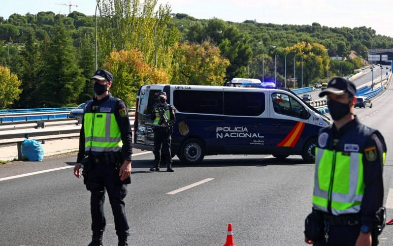 スペインのマドリードでは感染状況の悪化を受けて、外出制限を再開した=ロイター