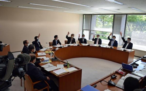 環境福祉委員会で採択された(13日、宮城県議会)