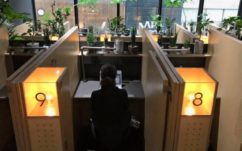 「シンク・ラボ」は集中しやすい空間になるよう机の幅まで調整している
