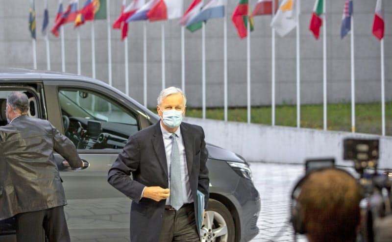 EU総務理事会に出席するバルニエ首席交渉官(13日、ルクセンブルク)=AP