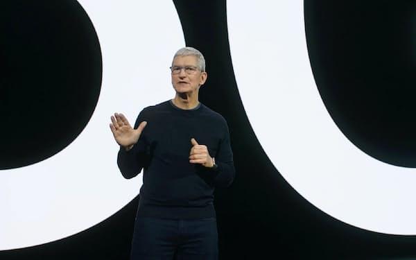 iPhoneの5G対応を宣言するアップルのティム・クックCEO