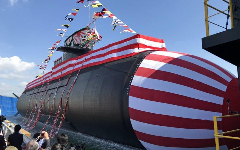 三菱重工神戸造船所で進水した最新鋭の潜水艦「たいげい」(14日、神戸市)