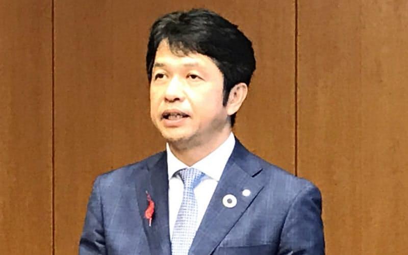 大井川知事は「内容分析は難しいが、順位が上がったのは良いこと」と述べた(茨城県庁、14日)