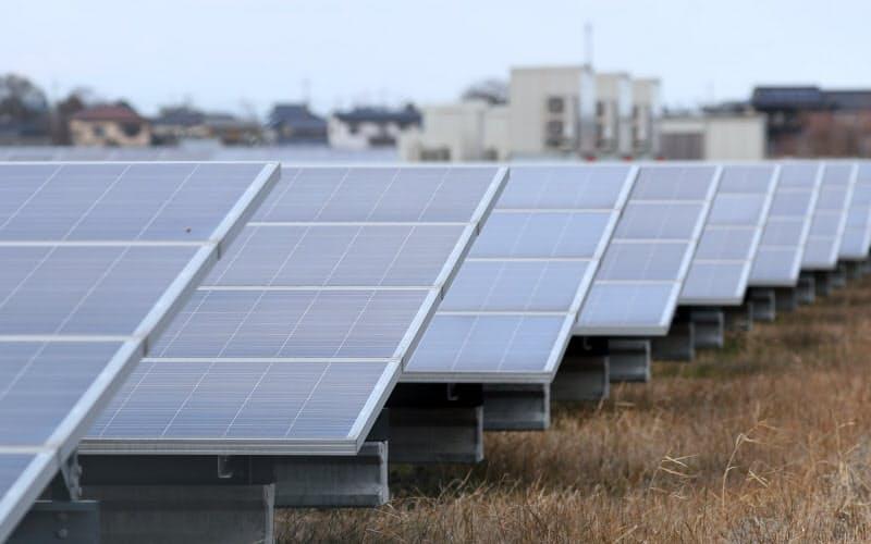 「エネルギー基本計画」見直しの議論が始まった(太陽光発電所)。