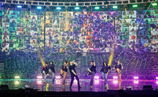 10、11日に開催した有料オンラインコンサートには191カ国・地域から計99万人が視聴した=ビッグヒットエンターテインメント提供