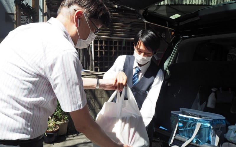 飲食店からタクシーで料理を配達する(千葉県船橋市)