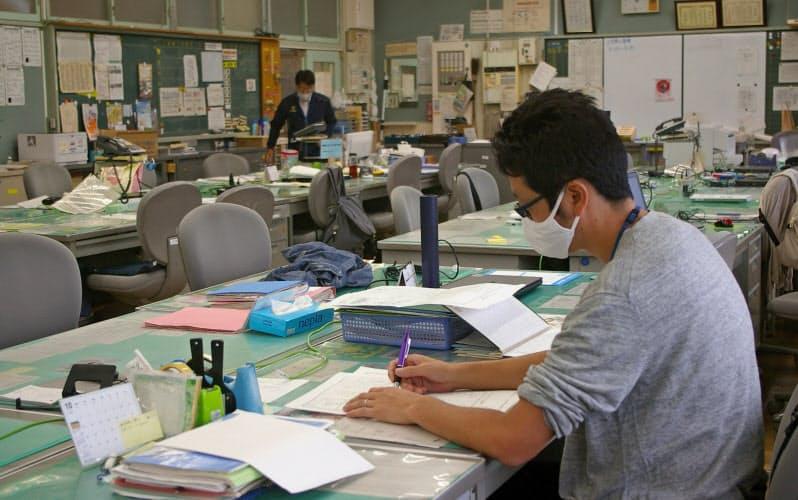 小学校の教科担任制 働き方改革、授業準備に力