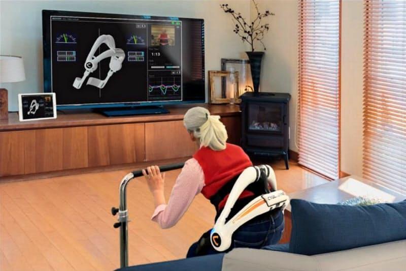 在宅の患者とロボットの状態を把握できる(サイバーダイン提供)